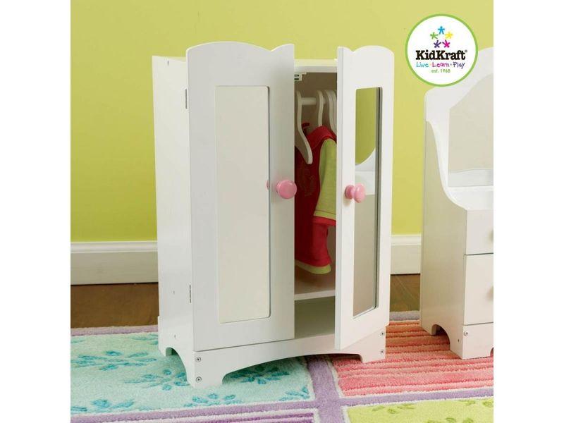 Armoire pour petite poupée