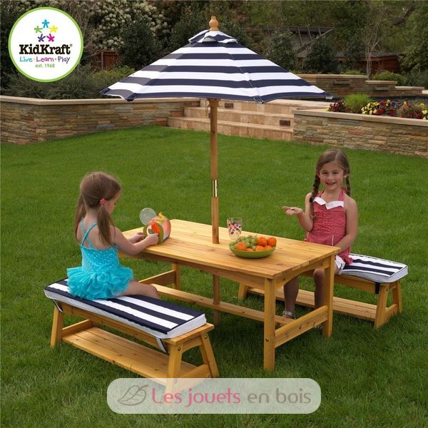 ensemble table et banc de jardin avec coussins et parasol pour enfant kidkraft 00106. Black Bedroom Furniture Sets. Home Design Ideas