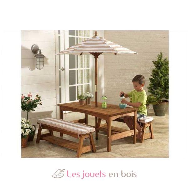 table et banc de jardin avec coussins et parasol pour. Black Bedroom Furniture Sets. Home Design Ideas